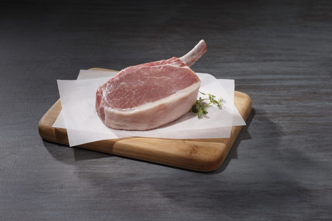 photo used on the Snake River Farms website of the kurobuta frenched pork chop
